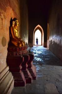 Výzdoba v spletitých uličkách väčších pagod