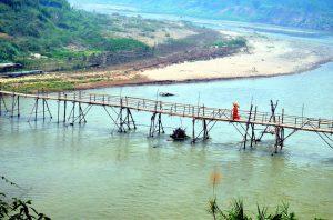 V období monzúnu tu ten most nie je