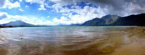 Jazero v Bature