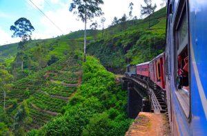 Ešte jedna s vlakom na moste. ;)