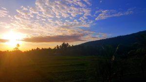 Východ slnka z terasky v Amede.
