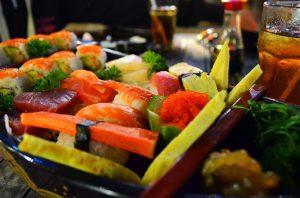 Najlepšie sushi v mojom živote sme mali v Hana Sushi v Kute a táto nálož stála cca 250 Kč/ 9€.