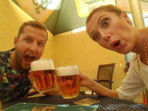 Dali si ďalšie pivo....